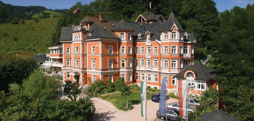 Garden-Spa Hotel Erika, Kitzbühel, Austria - hotel Exterior.jpg